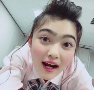 井上咲楽(イノサク)の眉毛は繋がってるし変に毛深いのはなぜ?