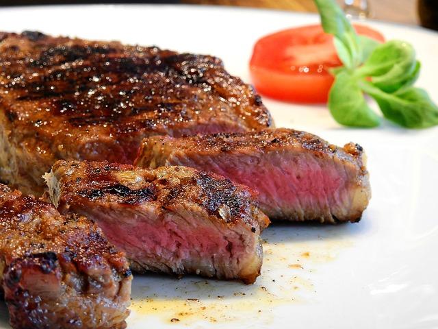 沸騰ワード・トロさんの仕事はなに?肉ダイエット挑戦の結果は!