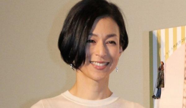鈴木保奈美と江口洋介のタヒチ画像や石橋貴明との馴れ初めは?
