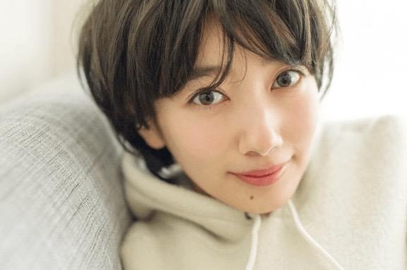 波瑠は朝ドラマのヒロインとして出演している女優でかわいいと有名